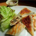 酒のつまみはこれで決まり!お夜食にもいいかも。アカモク納豆チーズのねばトロ焼き春巻き。Fujishima's recipe
