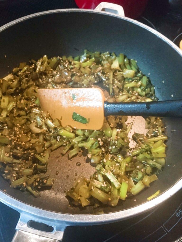 大根葉 アカモクさらに炒める